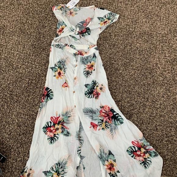 92032dfd33 Roxy Dresses | Maxi Dress Floral Nwt Size Medium | Poshmark